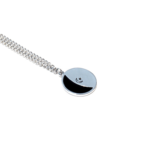 [HAWHA] Black half moon necklace