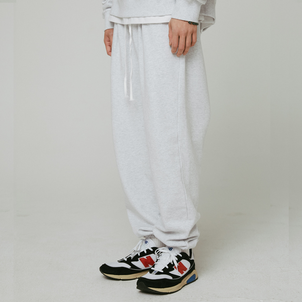 [필이너프] Wide Patch Sweat Pants