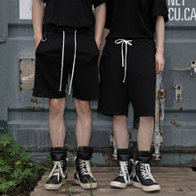 [YORKMINSTER] D-ring Short Pants - Black