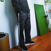 [MAREMOTO]sweat wide pants camo