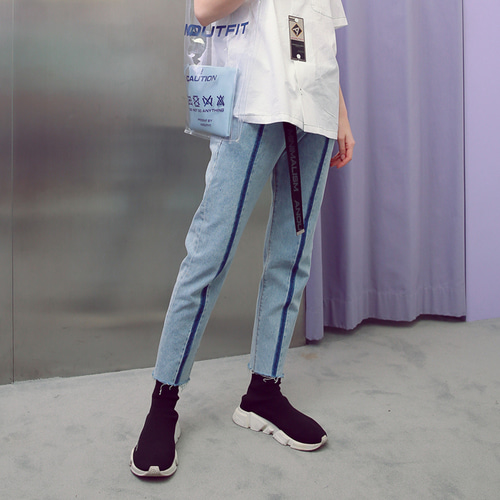 [언아웃핏] UNISEX LINE WASHING DENIM PANTS