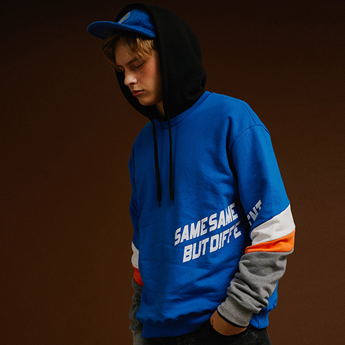 [MOTIVESTREET]PRISM SWEAT SHIRT BLUE