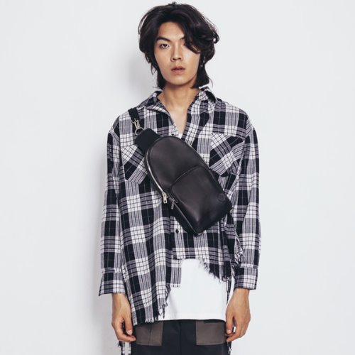 [마에다류토] MaedaRyuto Logo Button Belt Bag